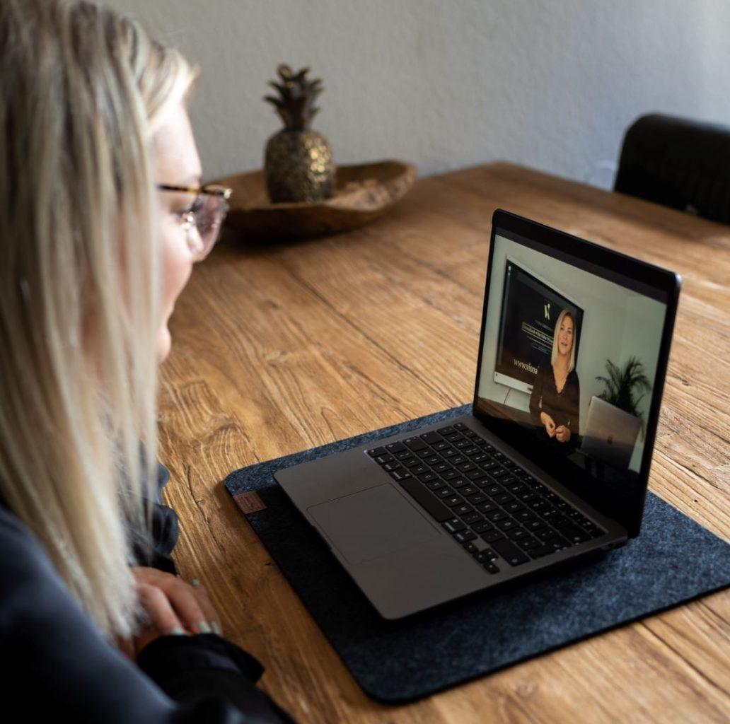 Online-Schulung Wimpernverlängerung