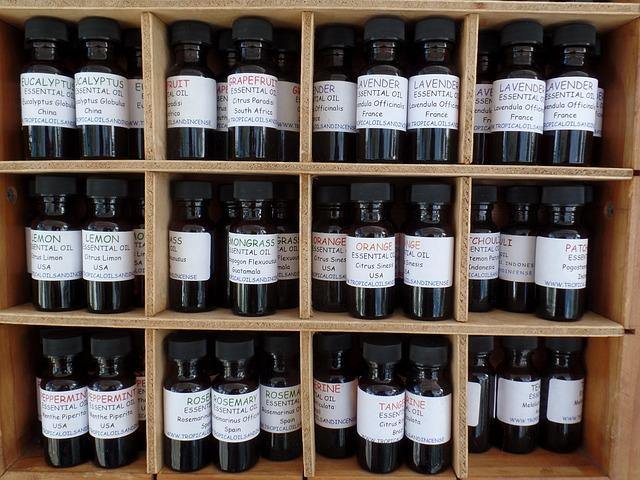 Kiefernadelöl -  Ätherische Öle werden seit Jahrhunderten in der Naturheilkunde verwendet